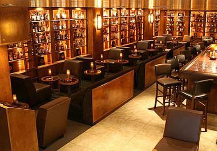 самые необычные бары в мире - The Brandy library