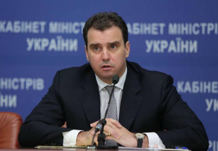Кабмин поддержал отмену лицензии на импорт и экспорт алкоголя