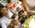 В кафе и ресторанах Беларуси снизят цены на отечественный алкоголь