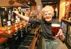Каждый пятый британец старше 65 лет злоупотребляет алкоголем