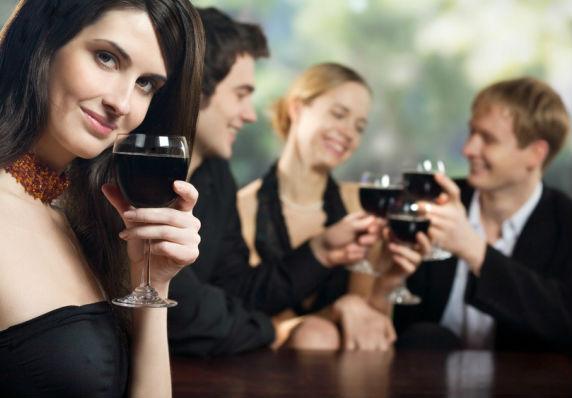 Россиян научат культурному потреблению алкоголя