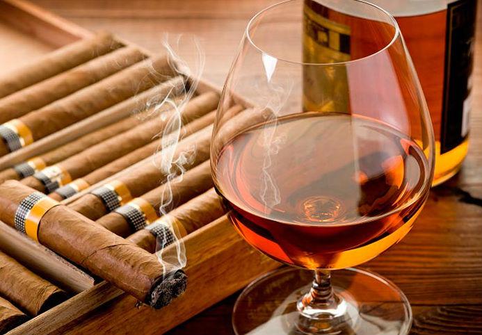Употребление алкоголя провоцирует желание закурить