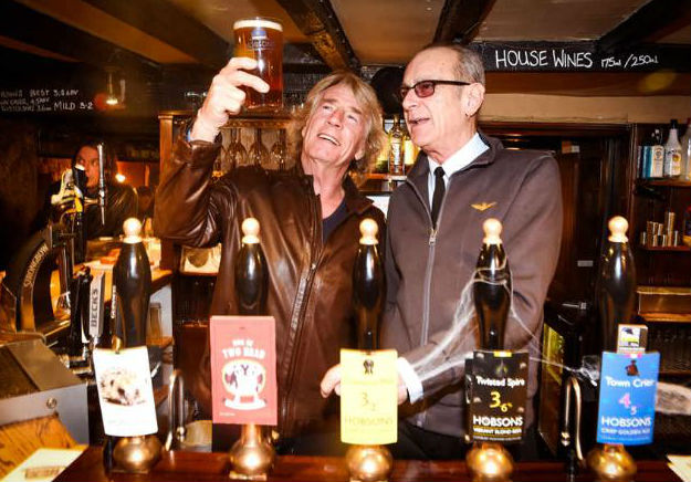 Легендарная Status Quo выпустит сидр и пиво
