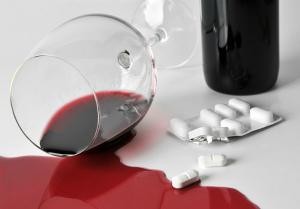 мифы об употреблении алкоголя: алкогольные напитки и лекарства
