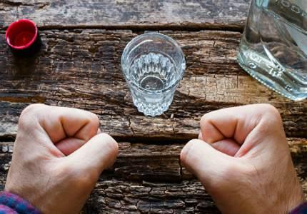 Пять основынх факторов, стимулирующих чрезмерное потребление алкоголя