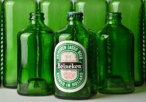 Зеленая бутылка Heineken